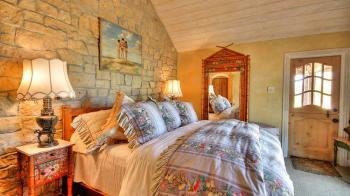 13-ruby-hill-cottage-master-bedroom.jpg #28